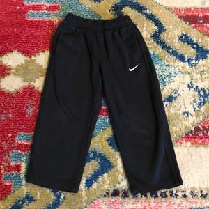 Nike therma fit sweatpants straight leg